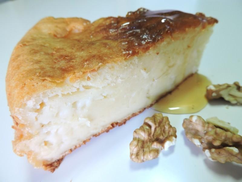tarta de queso fresco con miel y nueces