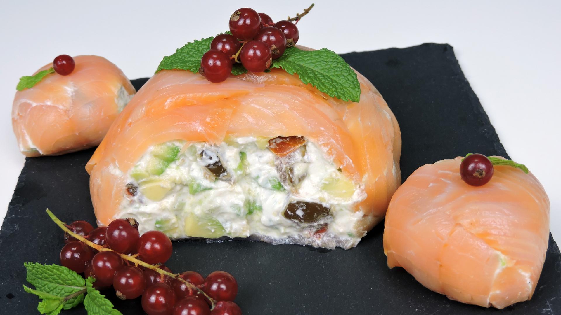 Bola de salmón (aperitivo navideño)