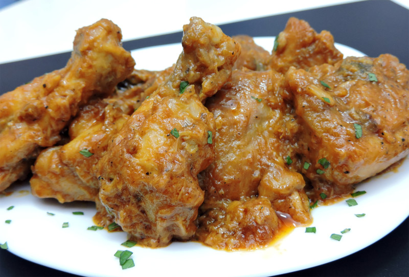 Pollo frito al ajillo