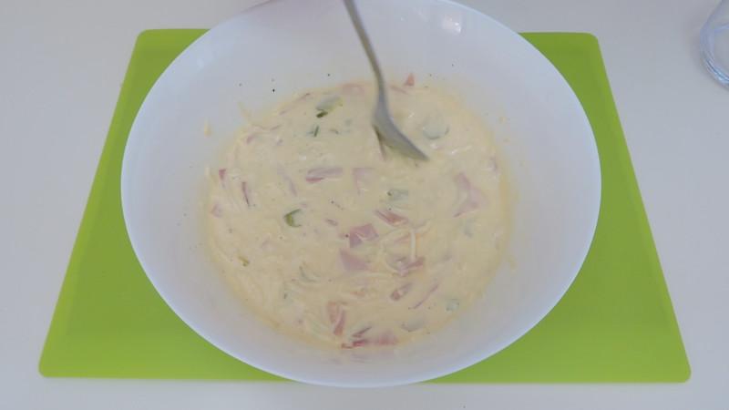 Mezcla de ingredientes para el relleno de la quiche