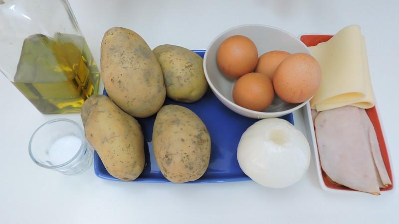 Ingredientes para la tortilla de patatas rellena de jamón y queso