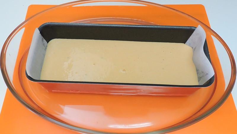 Pastel de atún antes de hornearlo al baño maría