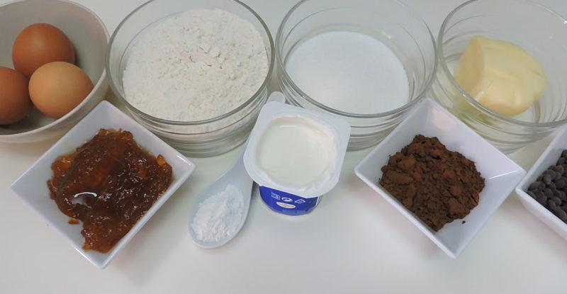 Ingredientes para el bizcocho de chocolate y naranja