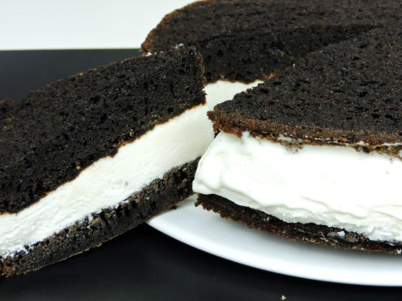 Sándwich de helado con bizcocho de Oreo