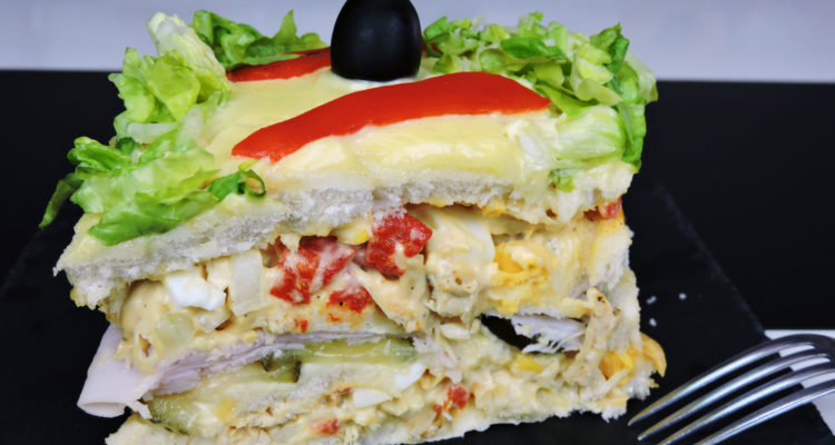 Pastel de pollo (pastel de sándwich o sandwichón de pollo)