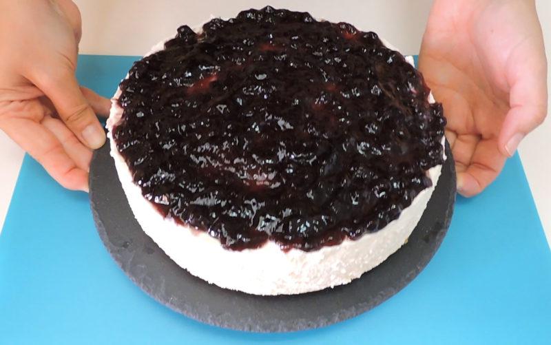 Tarta de queso con chocolate blanco ya terminada