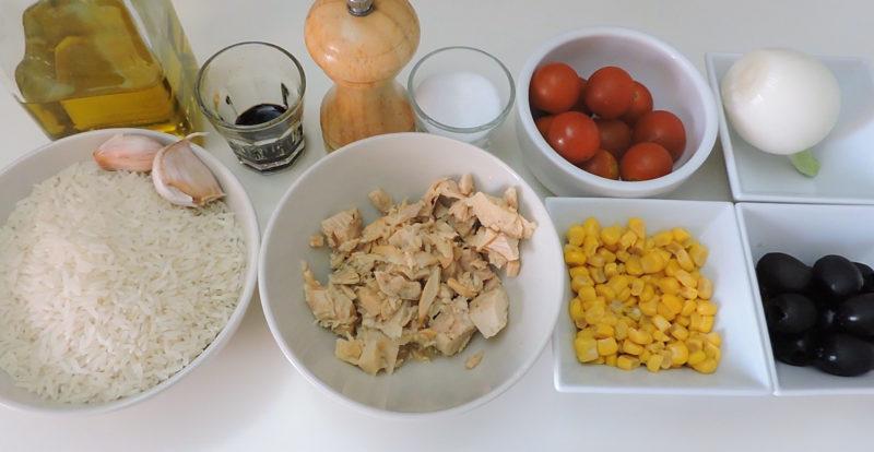 Ingredientes para el pastel de arroz con atún