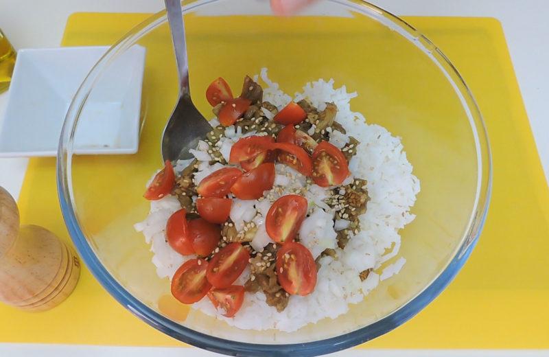 Preparando el relleno de arroz
