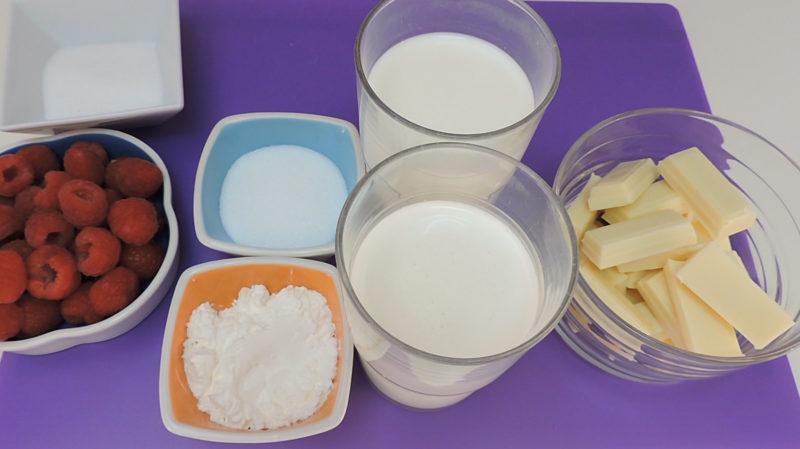 Ingredientes para la crema de chocolate blanco con salsa de frambuesas