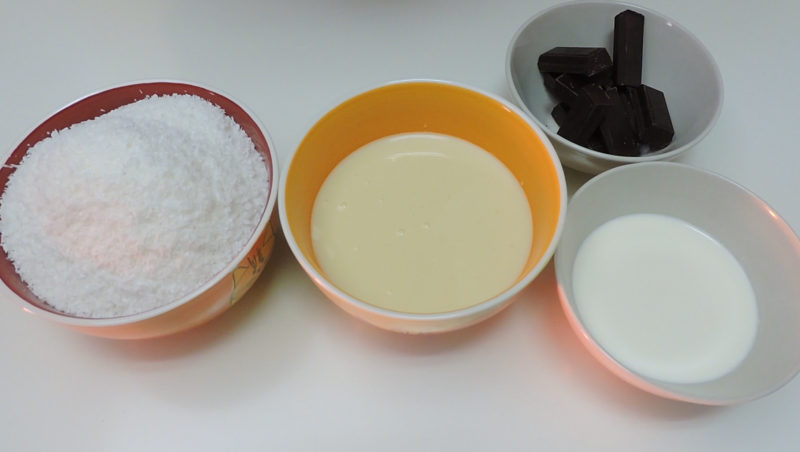 Ingredientes para las capas de coco y chocolate