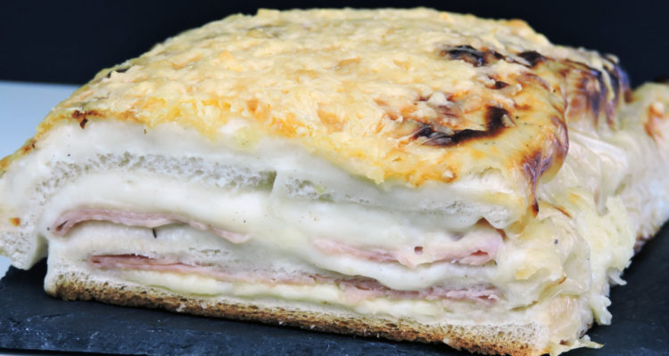 Pastel de jamón y queso (pastel de sándwich gratinado)