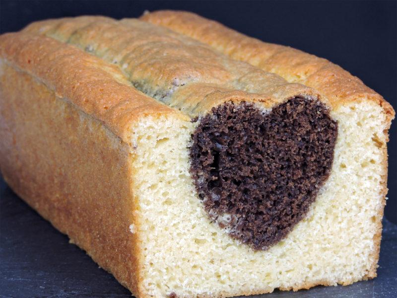 Bizcocho amoroso de chocolate y vainilla