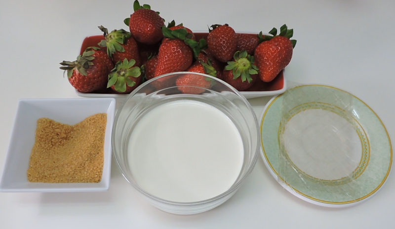 Ingredientes para la mousse de fresa