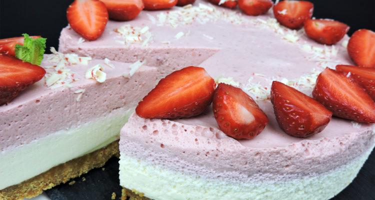 Tarta de chocolate blanco y fresas