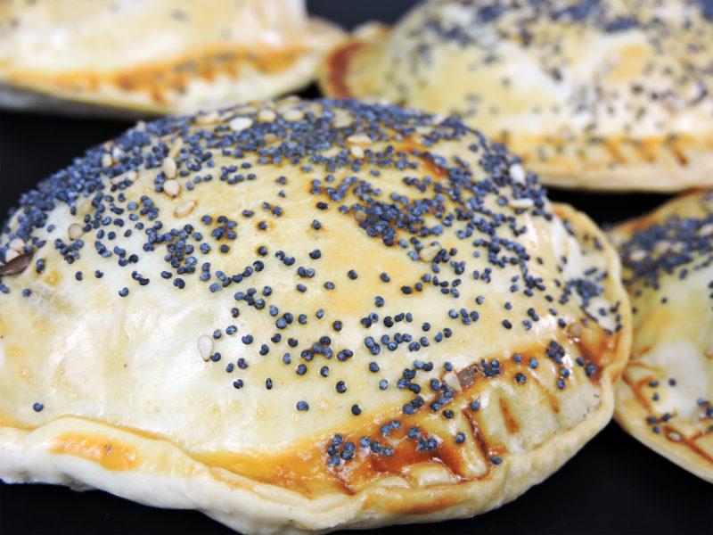 Empanadillas rellenas de calabacín, jamón y queso