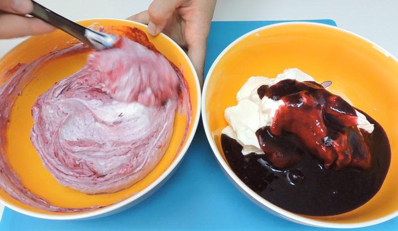 Integrando la salsa de frutos rojos