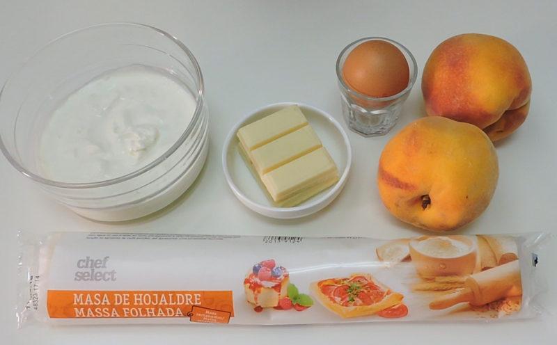 Ingredientes para la tarta de hojaldre y melocotón