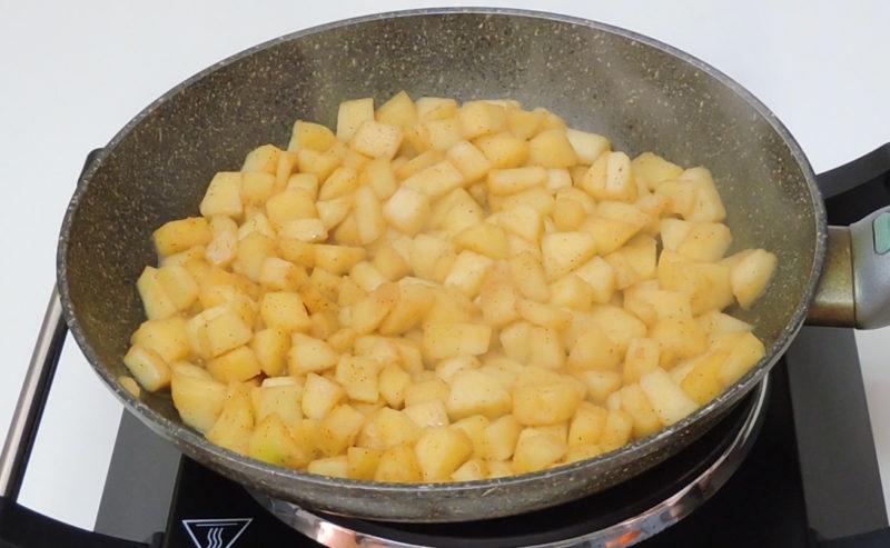 Caramelizando la manzana