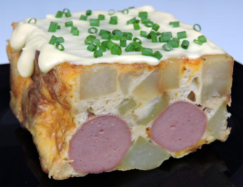 Pastel de patata con salchichas