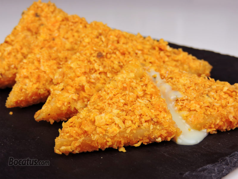 Doritos rellenos de queso fundido