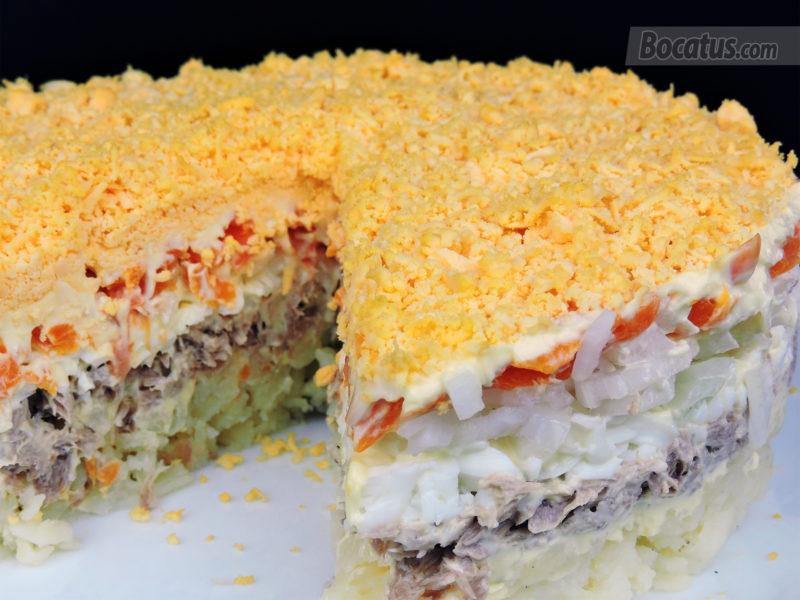 Tarta salada mimosa (o Tarta de ensalada mimosa)