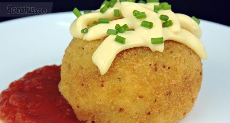 Bolas de patata rellenas de atún (Bombas de patata)