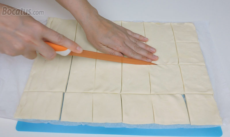 Cortando el hojaldre en cuadrados