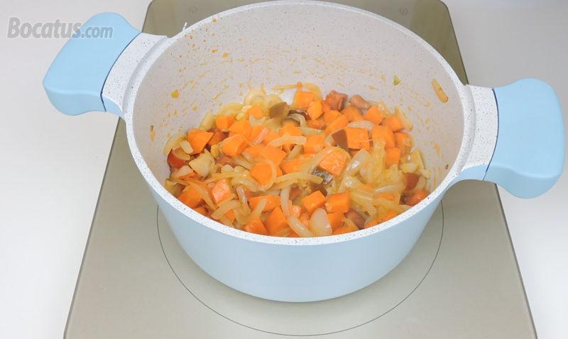 Rehogando las verduras