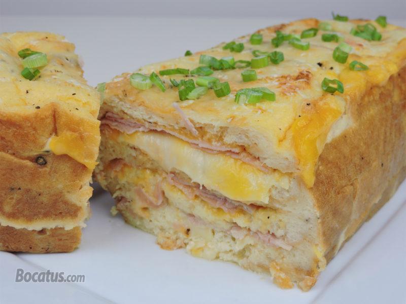 Pudin salado relleno de jamón y queso