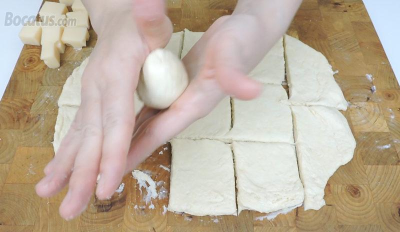 Formando el panecillo relleno