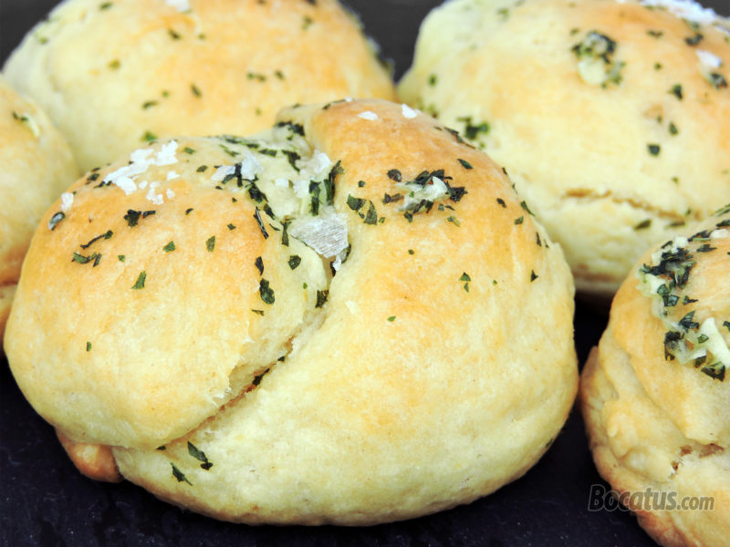 Panecillos rellenos de queso