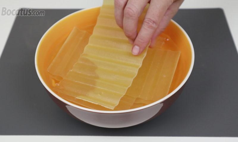 Hidratando las placas de lasaña