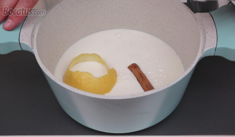 Aromatizando la leche con canela y limón