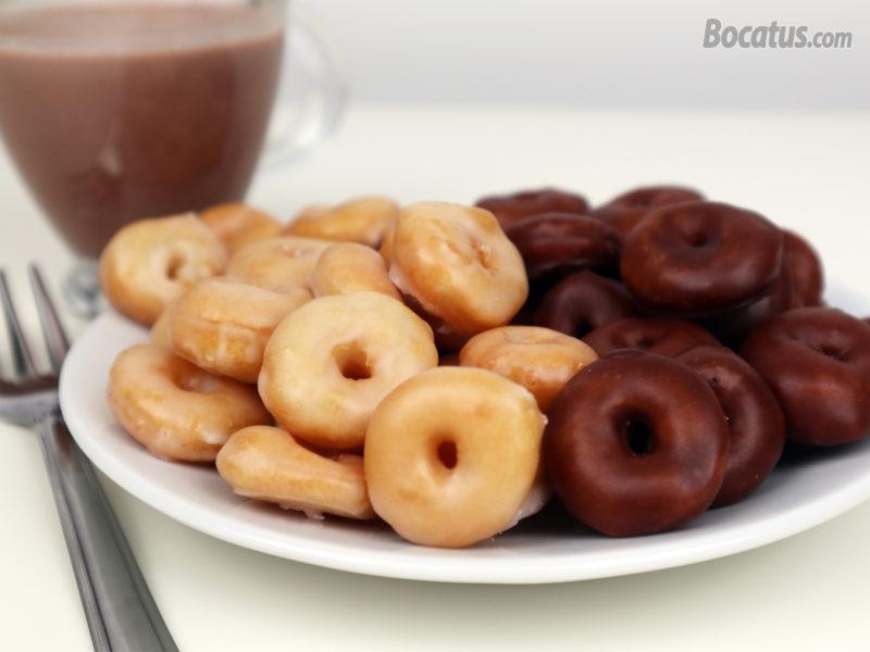 Mini Donuts glaseados de azúcar y chocolate
