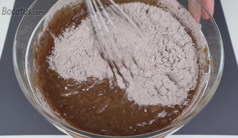 Preparando la masa de bizcocho