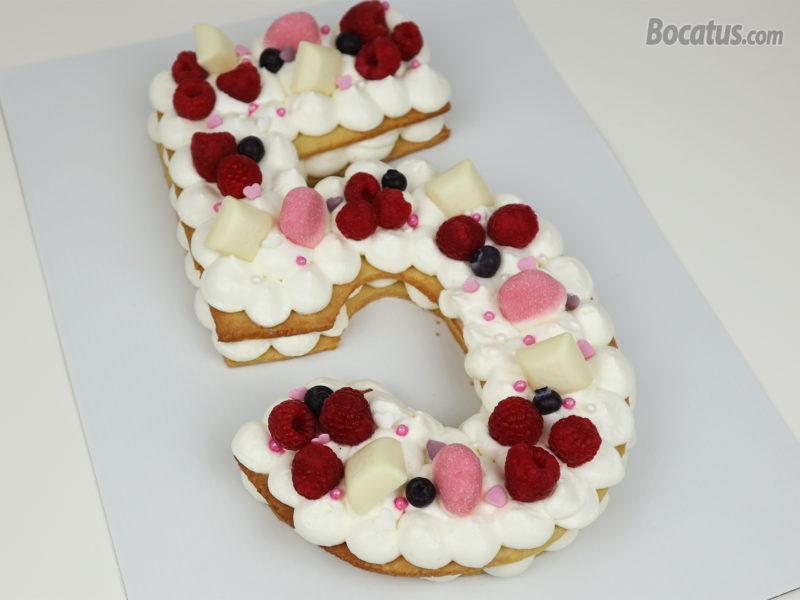 Tarta de galleta decorada (tarta de números)