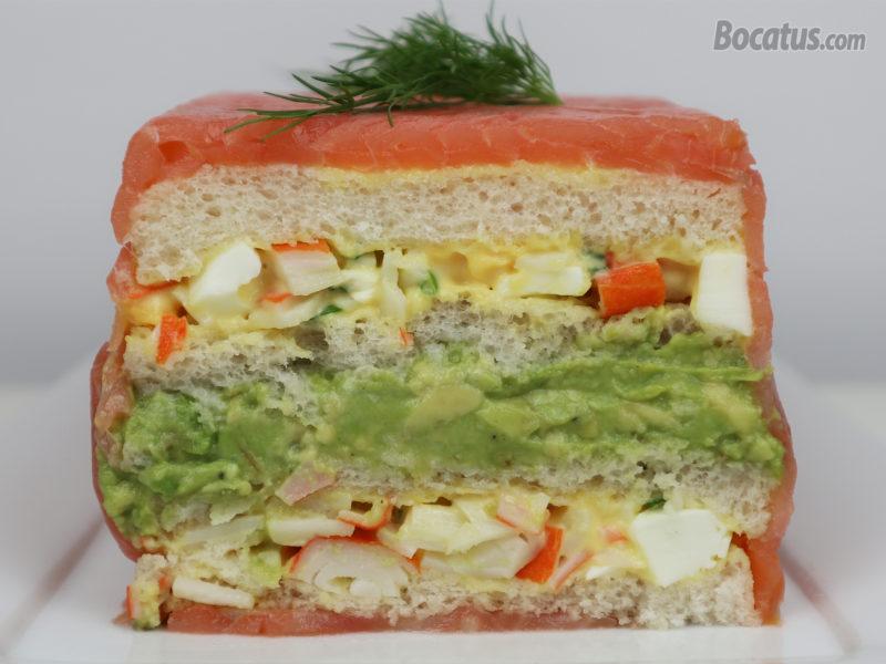 Pastel de salmón y aguacate
