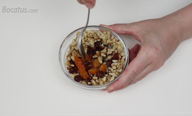 Mezclando los frutos secos