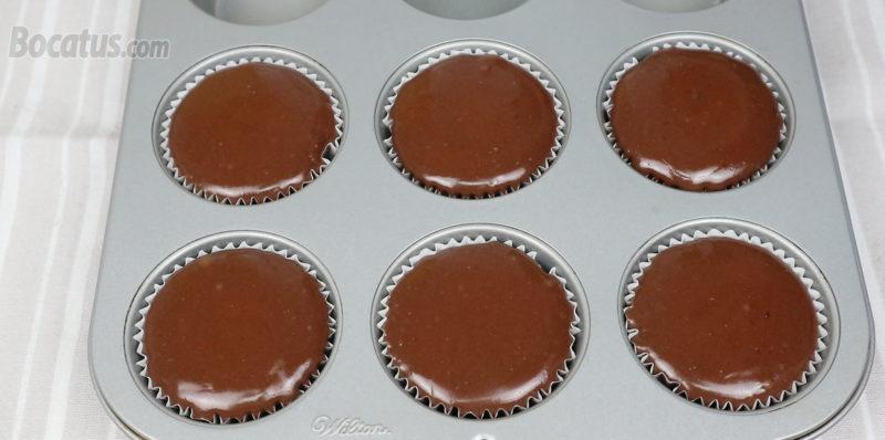 Mini cheesecakes recién horneadas