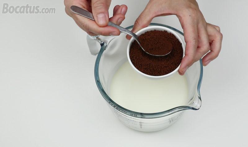 Preparando la nata de café